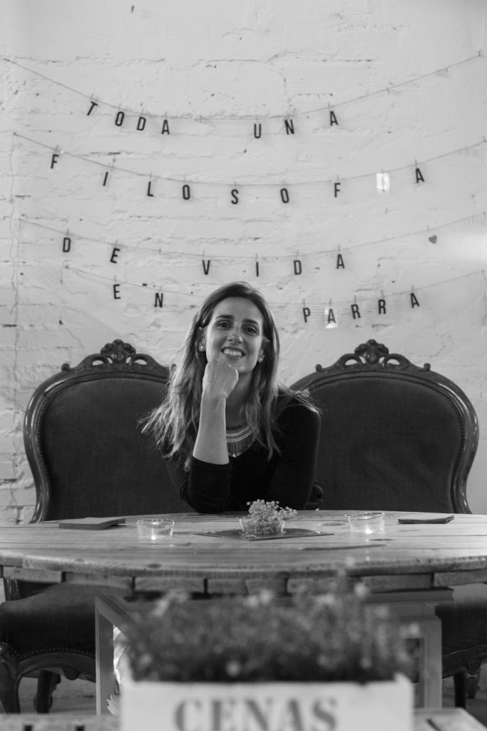 Silvia Moreno, Cenas adivina
