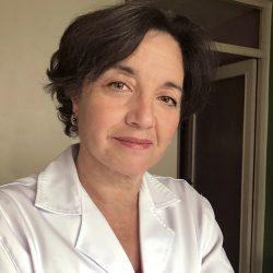 Dra. Teresa Pascua, Licenciada en Medicina y cirugía.